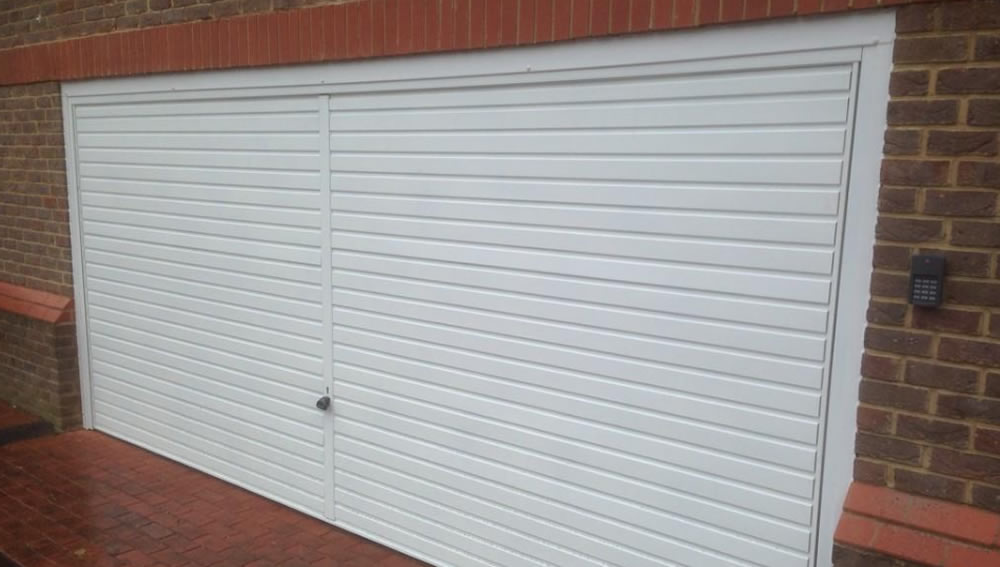 a garage door in Luton